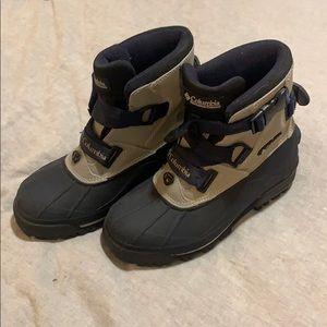 Women's Columbia snow boots